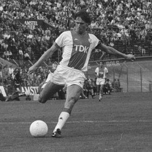Van Basten iniciou no Ajax!