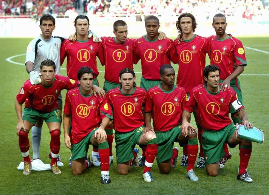 Seleção portuguesa da Euro-2004, com craques como Figo, Cristiano Ronaldo e Deco