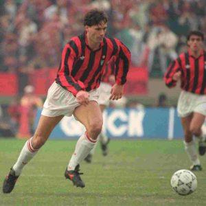 Milan apostou no jovem holandês.