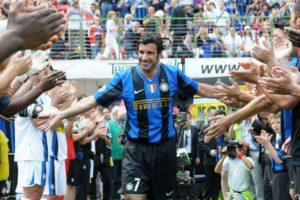 Figo parou de jogar na Internazionale.