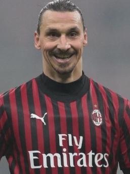 Zlatan Ibrahimovic é uma Lenda do Futebol.