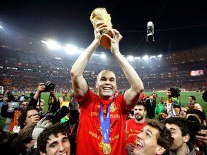 Andrés Iniesta foi campeão do Mundo.