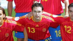 Iniesta estreou em 2006 na Espanha.