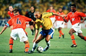 Mais uma vez a Holanda é eliminada para o Brasil.