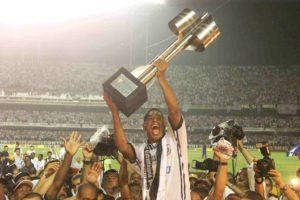 Corinthians conquista segundo titulo brasileiro.