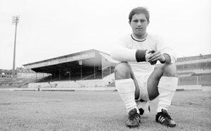 Gerd Muller jovem em seu primeiro clube