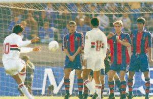 Gol de Rai contra o Barcelona.