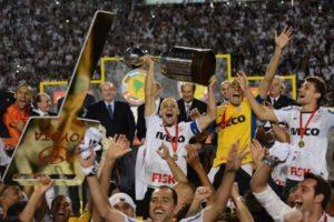Corinthians conquista asua primeira Libertadores.
