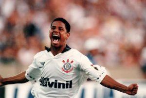 Marcelinho se tornou ídolo no Corinthians.