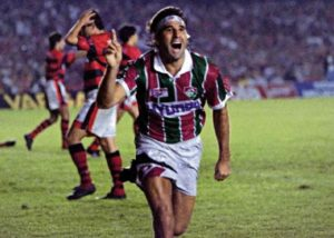 Renato Gaúcho marca gol na final do carioca de 1995.