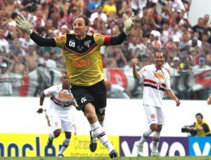 Rogério Ceni, ídolo do SPFC marca seu gol 100 no Corinthians.