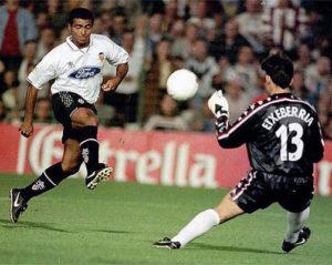 Romário também não foi bem no Valência.