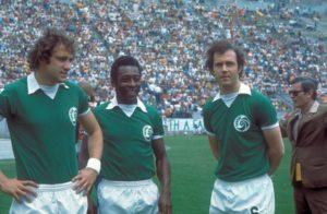 Ao lado de Pelé, Franz Beckenbauer no NY Cosmos.