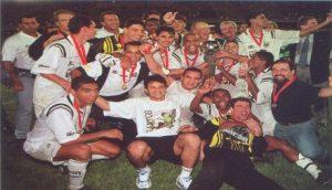 Santos FC conquista seu unico título da extinta Copa Conmebol.