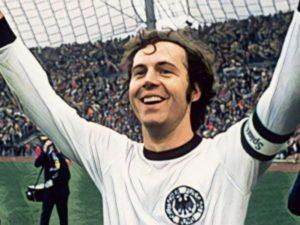 Franz Beckenbauer é um dos maiores jogadores de todos os tempos.