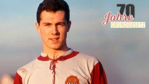 Franz Beckenbauer em seu início de carreira no Bayern.