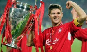 Steven Gerrard tem carreira dedicada aos Reds.