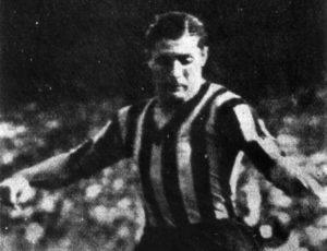 Giuseppi Meaza, grande ídolo da Inter de Milão que dá nome ao estádio.