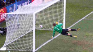 Gol polêmico da Alemanha contra a Inglaterra na Copa do Mundo de 2010.