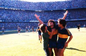Maradona na onquista do título argentino.