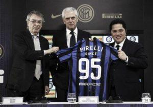 Inter de Milão começou sua pareceria com a Pirelli em 1996.
