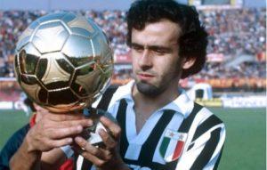 Platini eleito 3 vezes Bola de Ouro na Juventus.