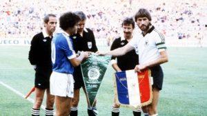 Platini em semifinal da Copa de 82 contra a Alemanha.