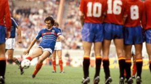 Gol de PLatini na final da Euro 1984 contra a Espanha.