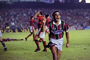 Renato Gaúcho e lendário gol de barriga.