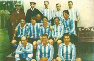 Um dos primeiros elencos sa Seleção Argentina de Futebol.