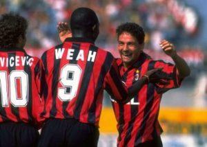 Roberto Baggio ao lado de estrelas do Milan, porém não engrenou na equipe.
