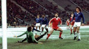 Derrota para o Bayern de Munique na final do mundial de 1976.