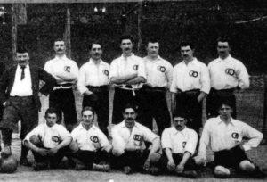 Escrete francês em jogo contra a Bélgica em 1905.