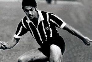 Roberto Rivellino ainda jovem no Corinthians.
