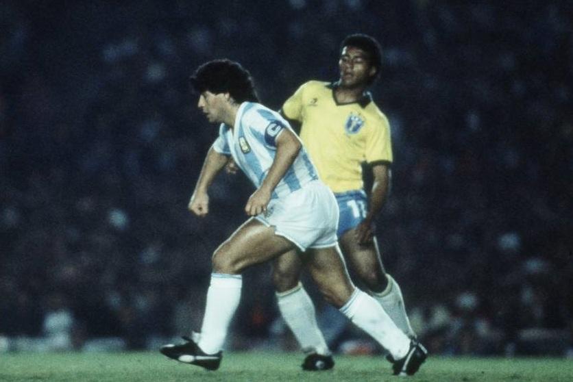 Romário e Maradona em 1989.