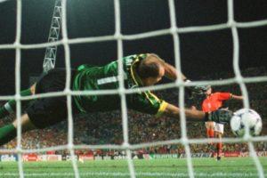 Taffarel brilhou contra Holanda em 1998.
