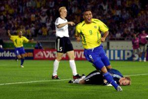 Seleção Brasileira de Futebol conquista o pentacampeonato mundial.