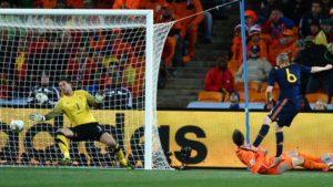 Histórico gol de Iniesta na final da Copa do Mundo de 2010.