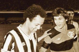 Reinaldo e Zico, craques e rivais.