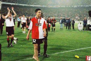 Robin van Persie em seu primeiro clube no profissional, Feyenoord.