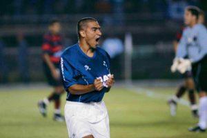 Víctor Aristizabal: destaque no Cruzeiro de 2003.
