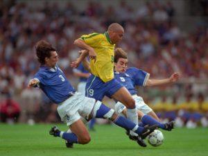 Ronaldo contra a Itália.