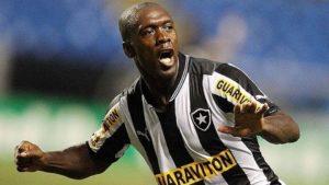 Clarence Seedorf: um dos principais jogadores estrangeiros da história do Botafogo, se não o principal.