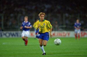 Breve passagem na seleção brasileira.
