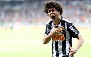 Luan: campeão da Libertadores em 2013.